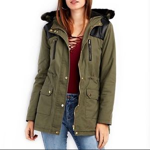 🧥Charlotte Russe Hooded Olive Army Green Anorak